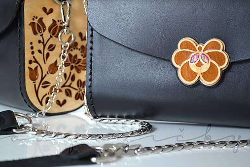 Drevená folk kabelka kožená Dorka a kvety Odzuzičky (Bordová s popruhom)