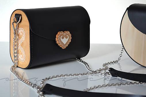 Kožená kabelka Zuzička (Čierna lesklá s popruhom)