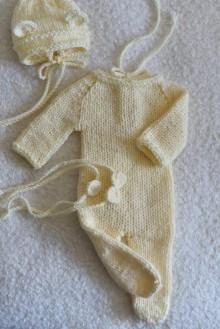 Detské oblečenie - Newborn svetložltý overal a čiapočka s uškami - 11669824_