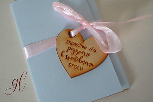 Svadobné tlačoviny zaľúbenci (Pozvánka - drevené srdiečko)