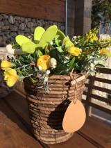 Dekorácie - kvetináč plný kvetov.... - 11673340_
