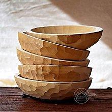Nádoby - Drevený lipový sedliacky tanier zdobený - 11677431_