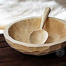 Nádoby - Drevený zdobený sedliacky tanier s lyžicou - 11677453_