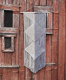 Dekorácie - Makramé závesná dekorácia LINEA - 11677552_