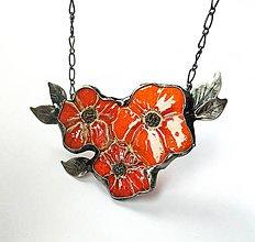 Náhrdelníky - Cínový kvet s keramikou - Ohnivé kvety - 11677426_