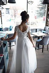 Šaty - Svadobné šaty z krajky v geometrickom motíve a tylovou sukňou - 11678175_