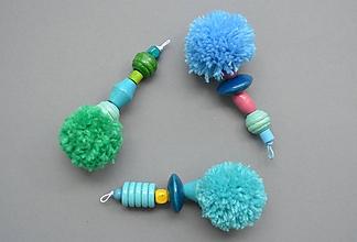 Kľúčenky - Kľúčenky s bombuľkami blue - 11676548_