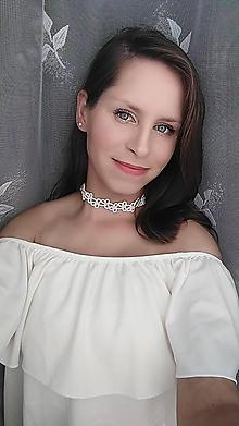 Náhrdelníky - Čipkový biely choker - 11680546_