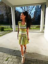 Šaty - Ultratenké pletene pestrofarebne šaty - 11683137_