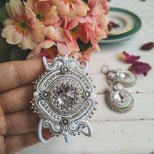 Sady šperkov - Confetti - sutaškový set náušnic a náramku - 11684955_