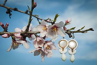 Náušnice - Mandľový kvet - soutache earring - Ručne šité šujtášové náušnice - 11684976_