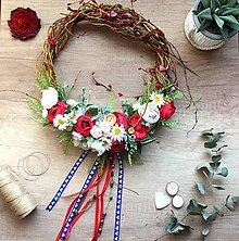 Dekorácie - Folklórny kvetinový veniec - 11686578_