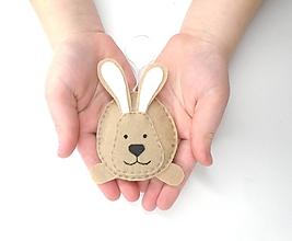 Dekorácie - Veľkonočná dekorácia (zajačik) - 11688364_