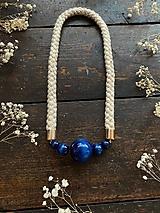 Náhrdelníky - Modré korále na laně se zlatými odlesky - 11696680_
