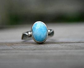 Prstene - Larimarový strieborný prsteň - vo vlnách - 11695438_