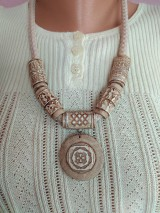Náhrdelníky - Náhrdeľník s keltským a gréckym symbolom - 11694535_