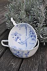 Nádoby - šálka veľká  bielo modrá maľovaná - 11698133_