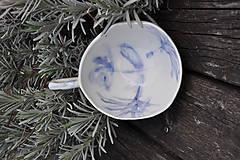 Nádoby - šálka veľká  bielo modrá maľovaná - 11698141_