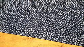 Textil - Bavlnená látka -Ružičky na tmavomodrom - cena za 10 centimetrov - 11703081_
