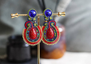 Náušnice - Farebné šujtášové náušnice so Swarovski kryštálmi - 11705535_
