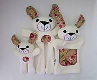 Hračky - Maňuška zajačik (Rodinka Ušatých od Ružovej záhrady) - 11705720_