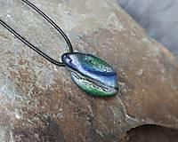 Náhrdelníky - Modro-zelený kamenný prívesok - 11706062_