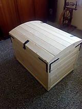 Nábytok - Drevená truhlica - 11705916_