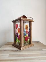 Svietidlá a sviečky - Drevený lampáš s maľovaným sklom - tulipány - 11706255_