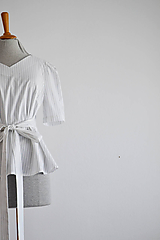 Topy - Bavlnená blúzka s viazaním v páse - 11706248_