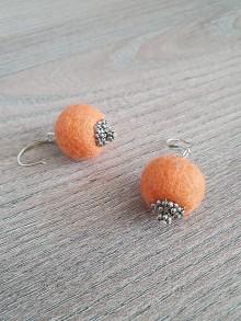 Náušnice - Oranžové plstené náušnice - 11709599_