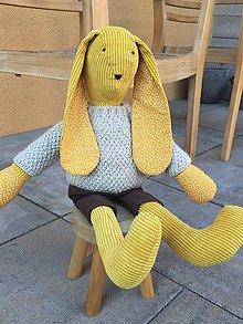 Hračky - zajko v hnedom svetríku .... - 11711935_