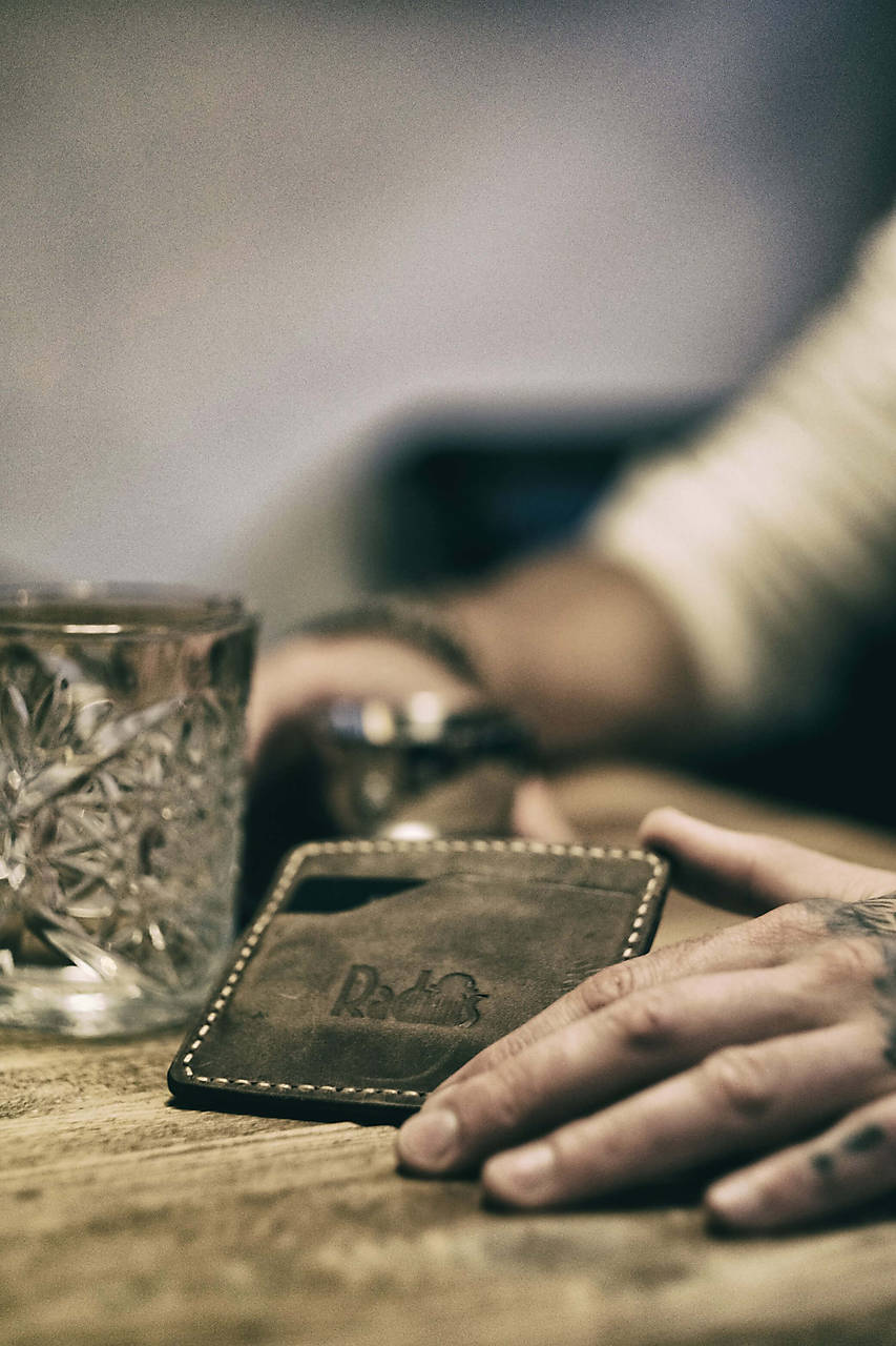 Tašky - Minimalistická kožená peňaženka - 11720171_