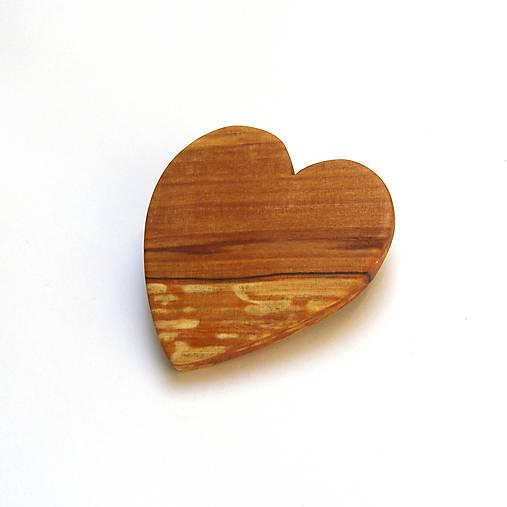 Drevená brošna - jelšové srdiečko