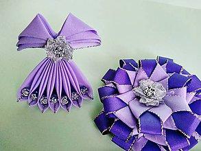 Dekorácie - Dekorácia zo saténovej stuhy  (fialová- kvet) - 11723319_