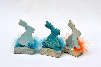 Dekorácie - zajac na stojane - 11723326_