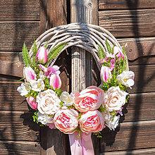 Dekorácie - Romantický veniec s pivonkami - 11730461_