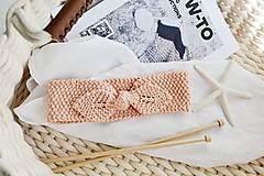 Ozdoby do vlasov - Ručne pletená bavlnená čelenka s mašľou  jar/leto (Marhuľová) - 11734948_