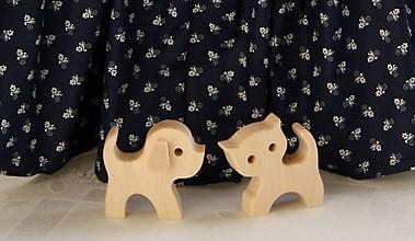 Hračky - Drevené hračky. Pre najmenších na obhrýzanie psík a mačička. - 11735922_