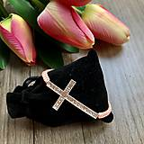 Náramky - Náramok na ruku krížik - 11738408_