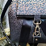 Batohy - Ruksak CANDY backpack - leopardí vzor so srdiečkami (hnedý prechod) - 11744004_