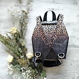 Batohy - Ruksak CANDY backpack - leopardí vzor so srdiečkami (hnedý prechod) - 11744013_