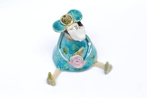 Myš sediaca figúrka s rúškom (tyrkysová s ružou + rúško)