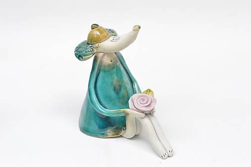 myš sediaca s rúškom alebo bez  (tyrkysová s ružou bez rúška)