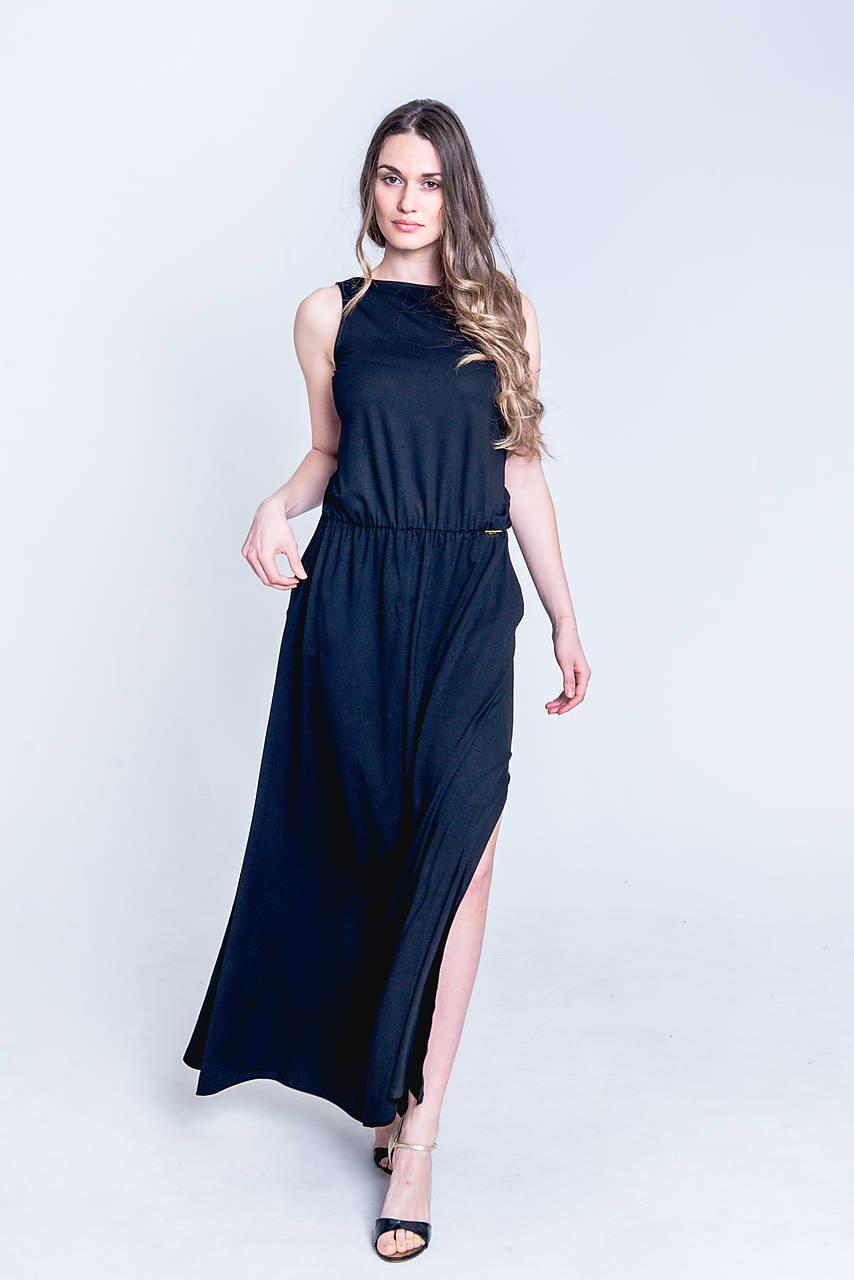 Dlhé šaty s odhaleným chrbtom