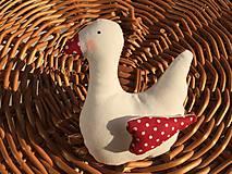 Dekorácie - malá húska  červený  zobáčik - 11763223_