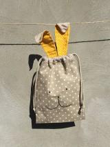 Úžitkový textil - iba 1 ks vrecúčko zajko žlté ušká - 11763262_