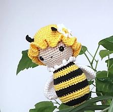 Hračky - Háčkovaná včielka - 11769164_