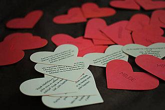 Papiernictvo - Svadobné menovky v tvare srdiečka - 11766671_