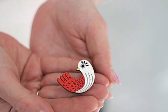 Odznaky/Brošne - Drevená Brošňa Vtáčik zlatý zobáčik - 11769142_