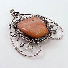 Náhrdelníky - Cínovaný prívesok - Mesačný kameň - 11774666_